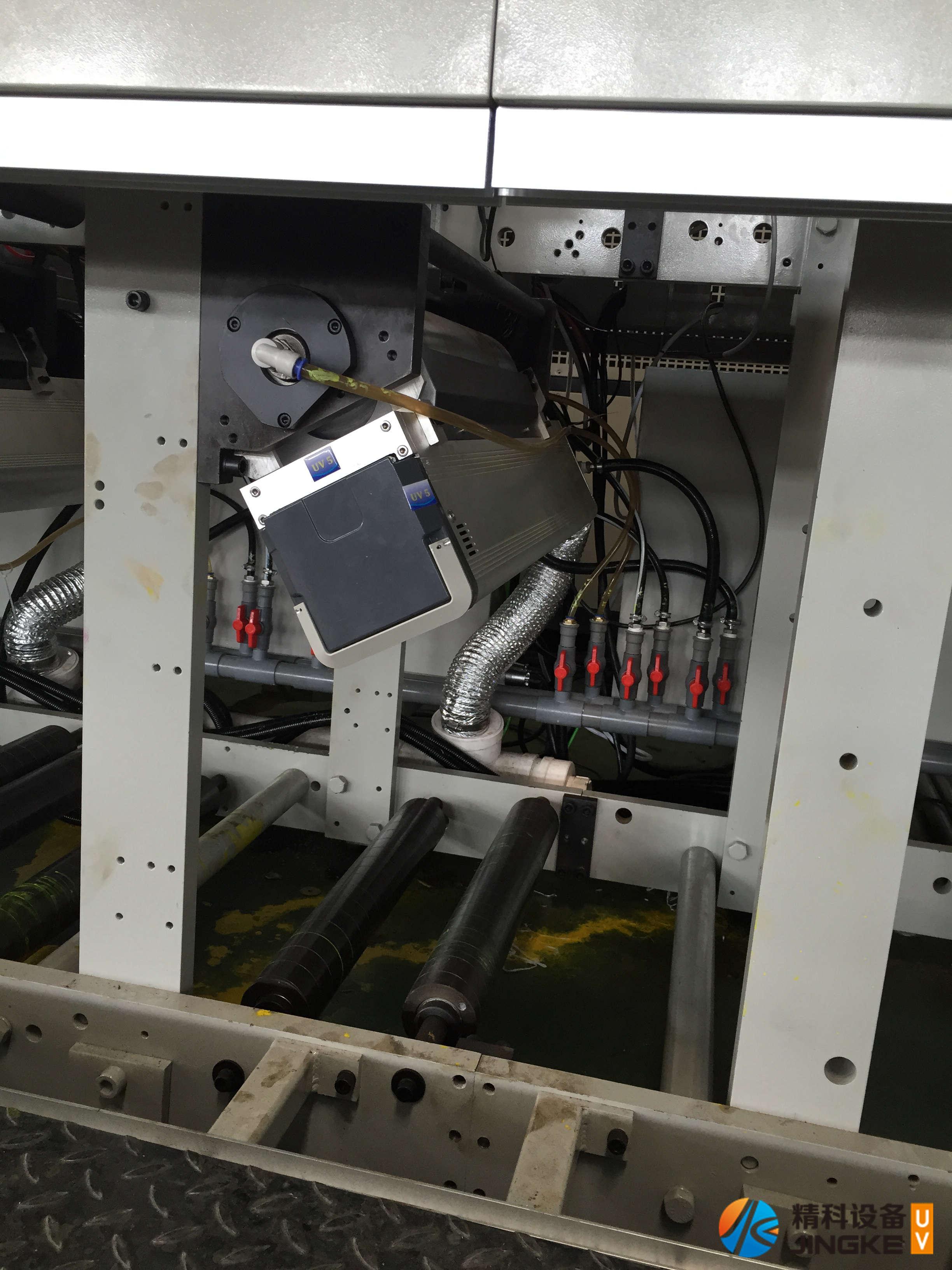 意高发柔印机加装UV4