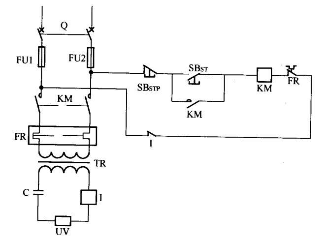 高压过流保护电路如图1所示,高压过流保护电路就是在基本UV固化主电路的变压器次级串接一个电流继电器,再把电流继电器的常闭触点串接到控制电路中(见图1)。 当通过电流继电器线圈的电流超过某个定值时(即电路发生故障),常闭触头断开,使KM失压跳开,切断电路。